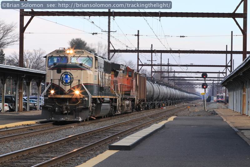 CSXT oil train.