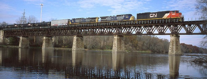 Daily Post: Eastward Canadian National Ethanol Extra Crosses the Fox River