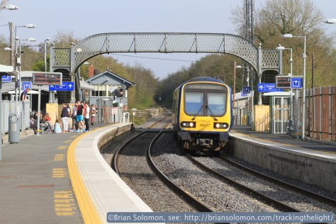 A 29000 series railcar works toward M3 Parkway at Clonsilla. Canon EOS 7D photo.