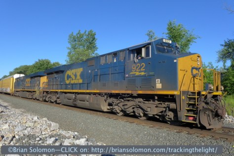 Tight view of CSX Evolution-Series locomotive 922. The lighting was just about perfect.