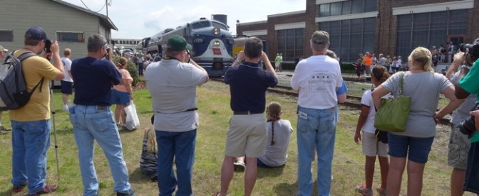 Streamliners at Spencer; Fans, Photographers and the People Behind the Scenes—TRACKING THE LIGHT Special Post.