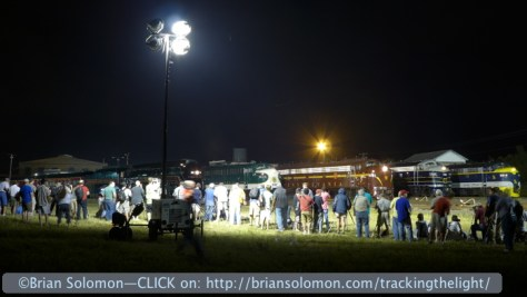 Photographers_at_night_PRR_and_C&O_at_night_sideview_P1030770