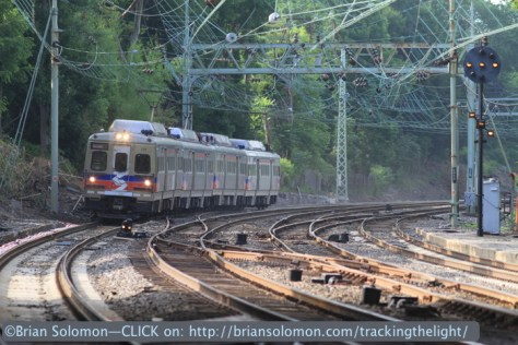 An inbound train approaches Overbrook. I was happy to catch a train with a restricting aspect displayed on the opposite signal. Canon EOS 7D photo.
