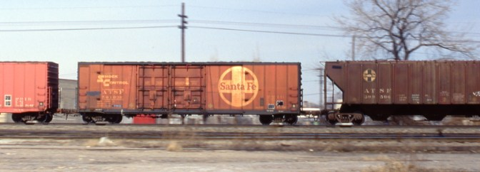 Santa Fe Freight Cars on the Roll!