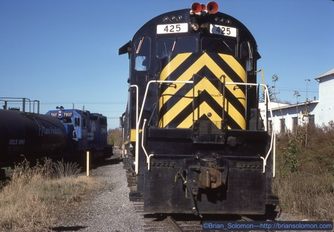 October 26, 1987 was a clear and bright day. Conrail's WBRO-15 had 37 cars for the Livonia, Avon & Lakeville. I didn't go to class. Kodachrome 25 exposed at Avon using my Leica M2 with 50mm lens.