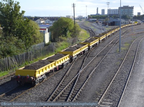 Trailing view of the spoil train at the Granaries Yard. This is one of Irish Rail's most elusive trains. It takes more than just luck to catch it. LX7 Photo.