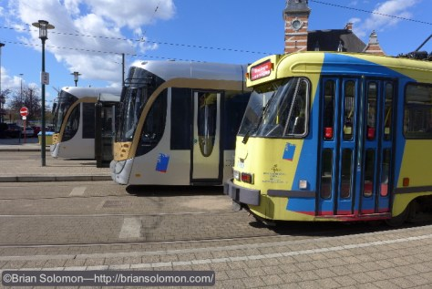 STIB_92_Tram_and_yellow_PCC_at_Scharbeek_Brussels_P1180974
