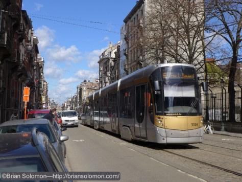 STIB_92_Tram_near_Scharbeek_Brussels_P1180965