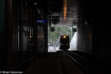 Helsinki Airport train approaches Kivisto Station on 30 July 2015. This location was recommended by Sakari K. Salo who accompanied Markku Pulkkinen and I on a tour of the new line on 30 July 2015. (and again the next day by road). FujiFilm X-T1 photo.