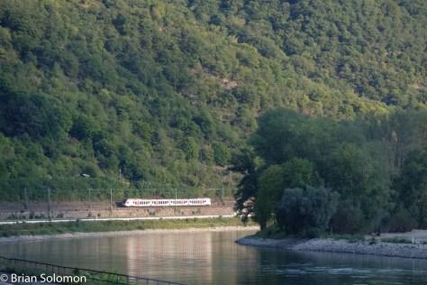 Glinty Flirt reflects in the Rhein near Kaub. FujiFilm X-T1 photo.