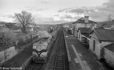 Irish Rail class 071 engine number 076 lead a loaded sugar beet train at Clonmel.