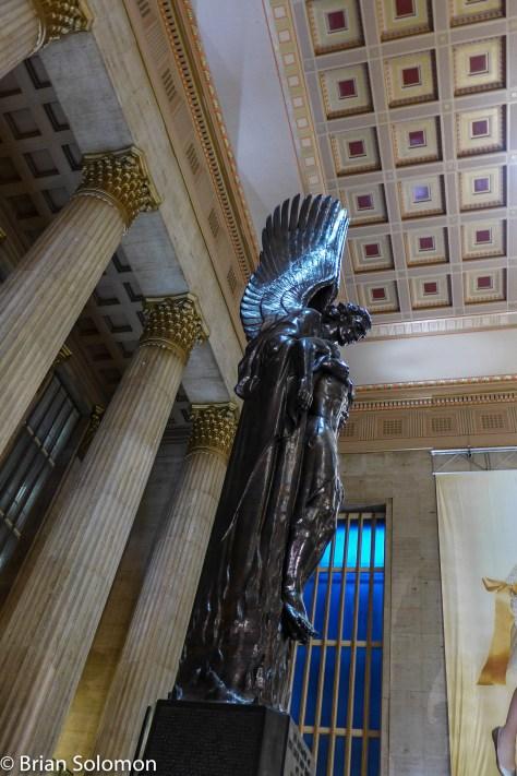 Amtrak_30th_St_Station_Philadelphia_Angel_P1360291