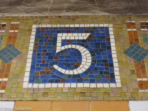 New_York_Subway_5th_Ave_P1350597