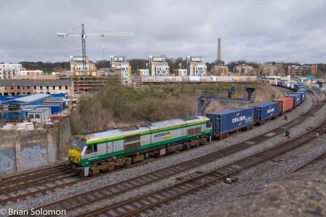 Irish Rail 219 with Dublin to Ballina IWT liner.