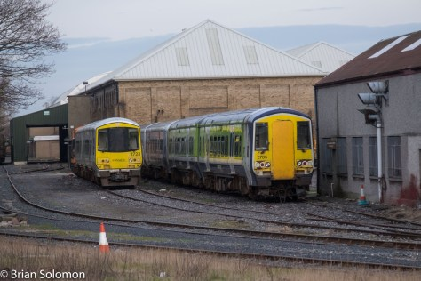 Old 2700 railcars stored at Inchicore. Old. Hmm, I seem to recall these cars being delivered 'new'. Hmm.