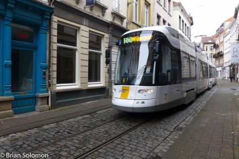 Lijn_Antwerp_P1450638