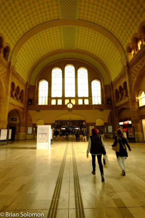 Main concourse of the Metz Station.