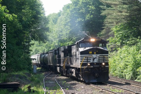 While waiting for the clay slurry train, I was delighted to catch this westward move, Norfolk Southern symbol 11R that runs from East Deerfield to Enola, Pennsylvania.