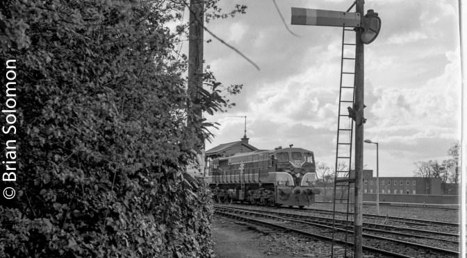 Irish Rail 079 at Sligo-April 2000; SeeingSquare (pardon the dodgy crop).