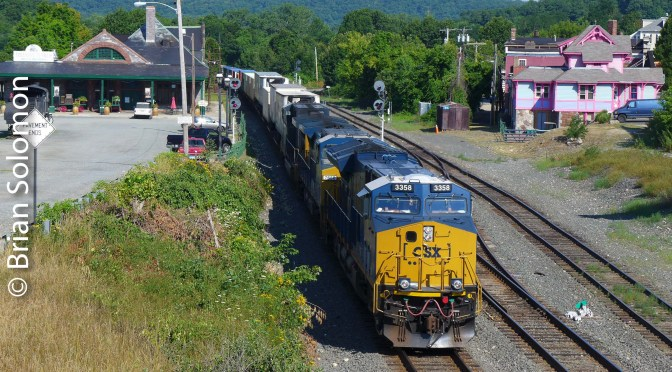 Tracking the Light Catch of the Day; CSX GE 'Tier 4' eastbound at Palmer —July 25, 2016.