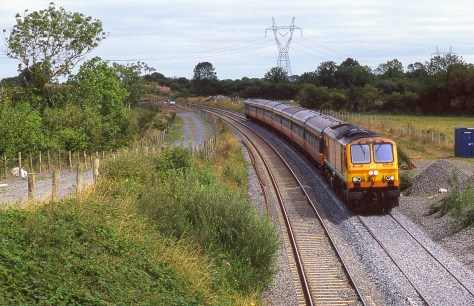 irish-rail_top_of_ballybrophy_bank_aug_2006_brian_solomon_193343