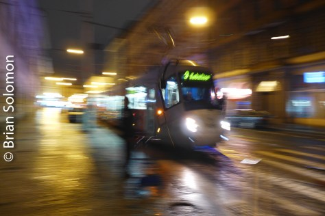 tram_at_night_prague_p1530022