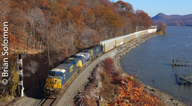 CSX on the Hudson at Mine Dock Park—November 18, 2016.