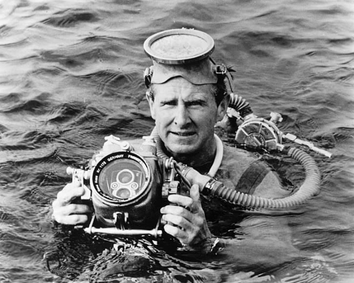 Lloyd-Bridges-Sea-Hunt-1