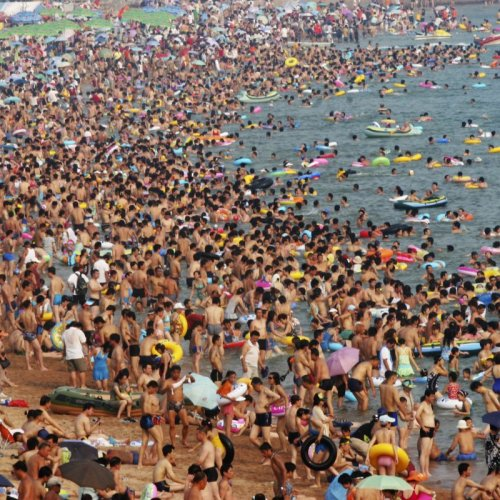Crowded Beach in China's Shandong Province. Source: REUTERS