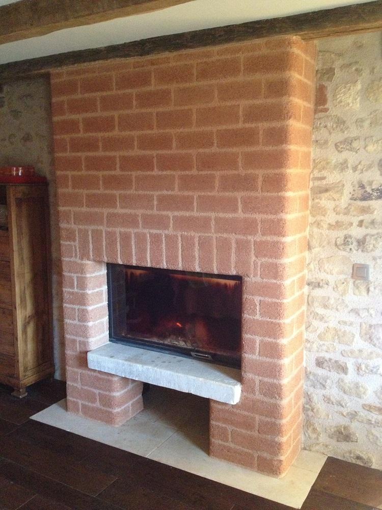 Mur de cheminée inertie thermique