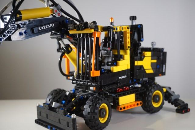 Lego Volvo EW160E Cab