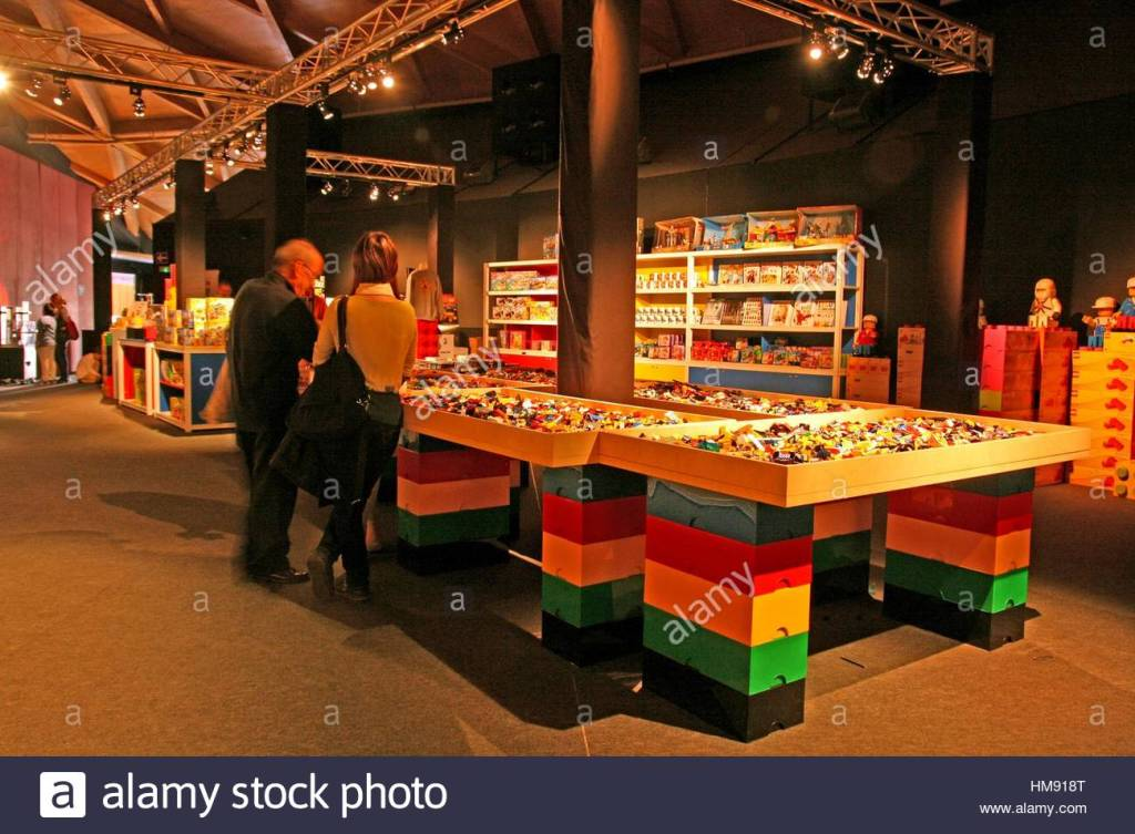 lego-pieces-exhibition-the-art-of-the-brick-by-nathan-sawaya-barcelona-HM918T