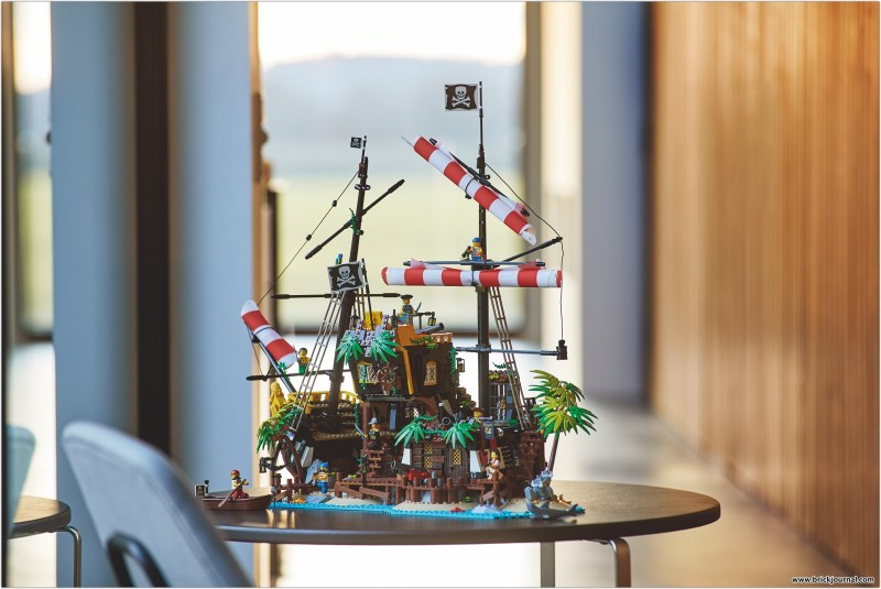 Arghhh Me Hearties Explore An Epic Shipwreck With The New Lego Ideas Pirates Of Barracuda Bay Brickjournal