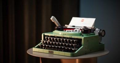 The LEGO Group Reveals Elegant New Typewriter Set Based on Winning Fan Design!