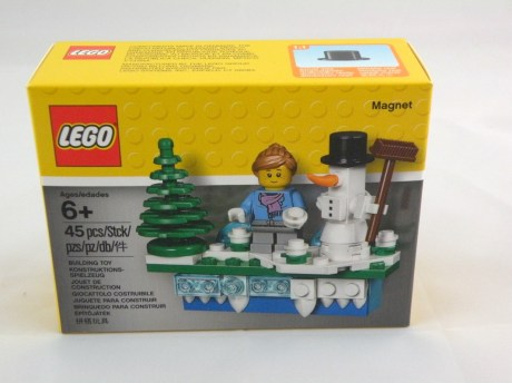 853663 lego iconic holiday magnet 1