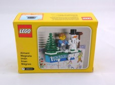 853663 lego iconic holiday magnet 2