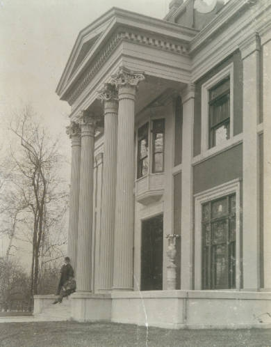This circa 1900 photograph of Bell Place (via University of Louisville Libraries) shows that Bell Place was once painted in contrasting colors to highligh the pilasters and other decorative elements