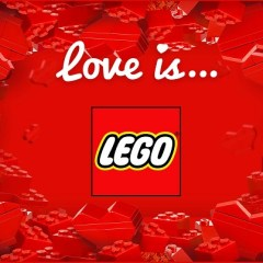 Click & Snap: Love is… LEGO