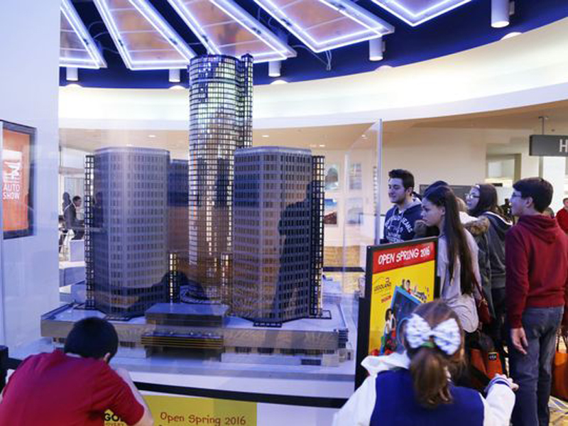50,000 LEGO Bricks Used To Build This LEGO Renaissance Center MOC in Detroit