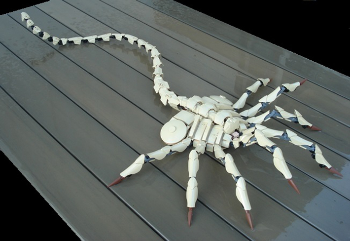 Try Not To Cringe With This Ultra-Realistic LEGO Facehugger MOC