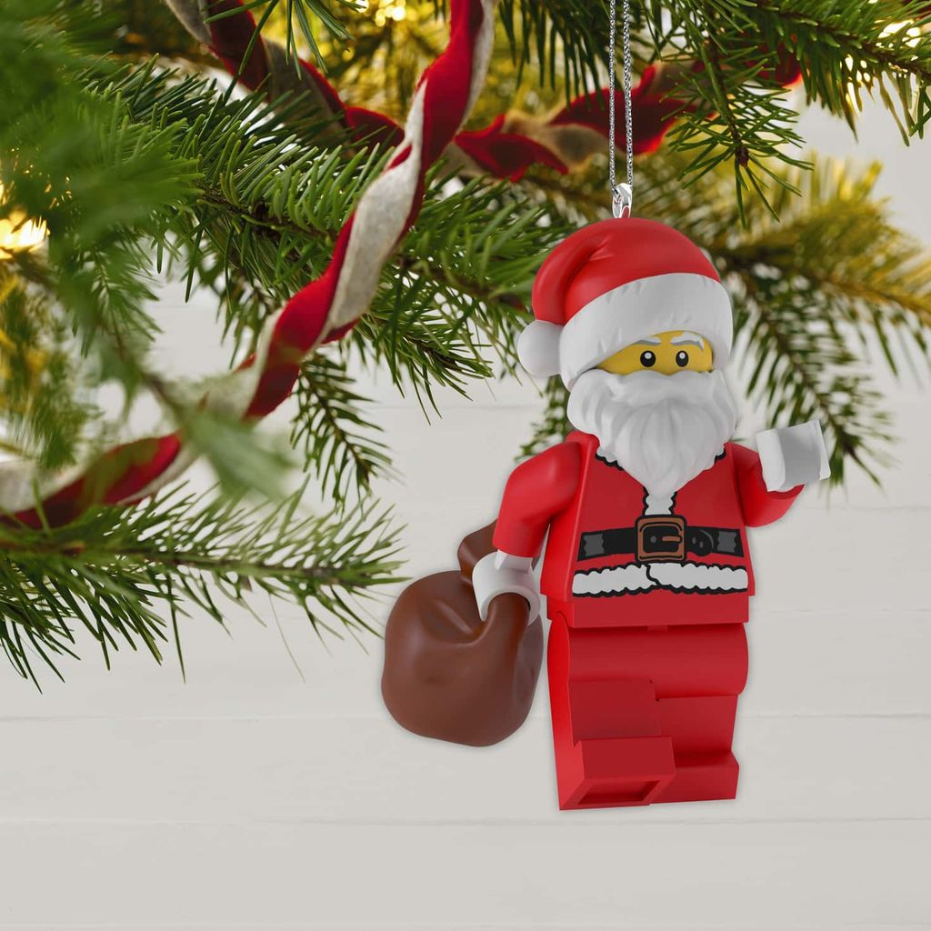 Christmas Comes Early as LEGO Previews 2019 Holiday Minifigure Ornaments