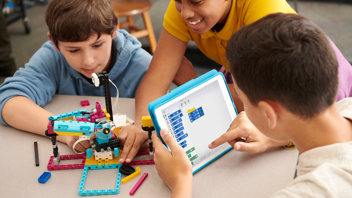 Introducing New LEGO Education Brick-Digital Product: SPIKE Prime