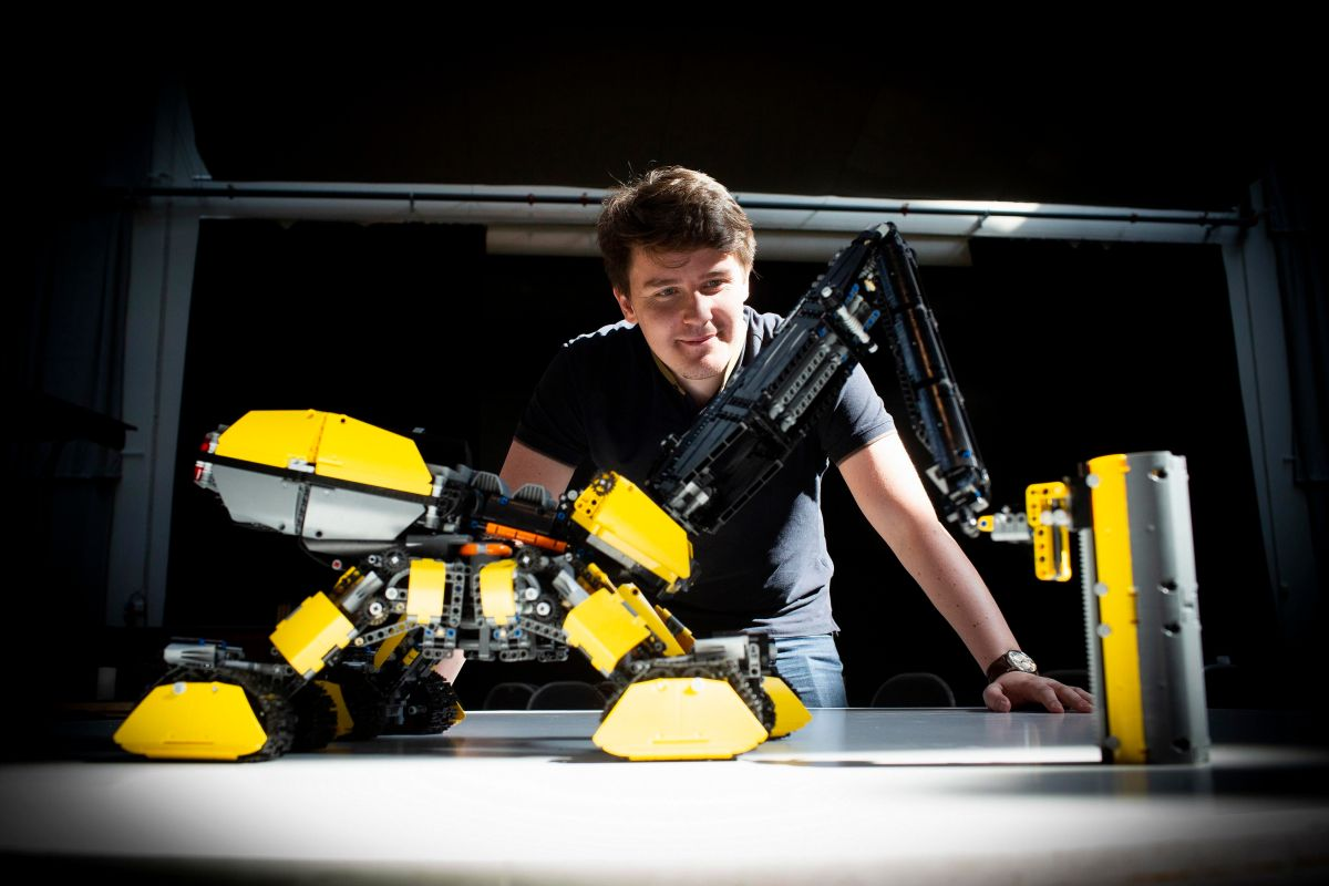 LEGO-Volvo Ideas Contests Reveals Winning Construction Vehicle Design: the Rottweiler