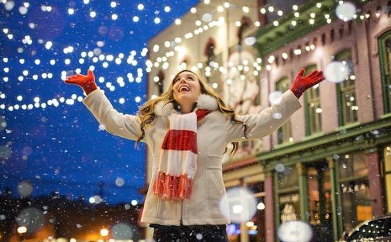 9 social media holiday content ideas