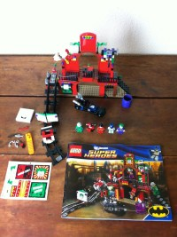 Review: LEGO 6857 Super Heroes The Dynamic Duo Funhouse