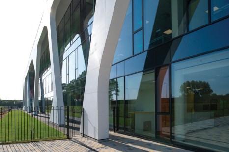 Corian-facade_LancashireConstabularyHQ_6_LowRes