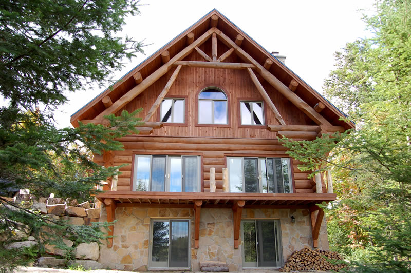 La maison en rondins de bois  infos sur la maison en bois massif empil  BricoBistro