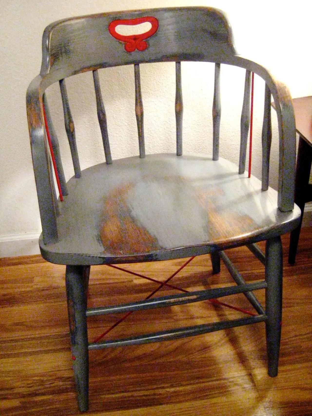Relooker Une Chaise Haute En Bois peindre une chaise haute - moderniser une chaise en paille
