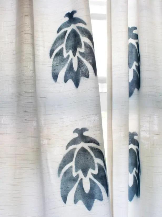 Comment peindre un rideau au pochoir  BricoBistro