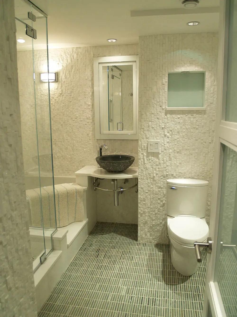 10 astuces infaillibles pour agrandir visuellement une petite salle de bain  BricoBistro